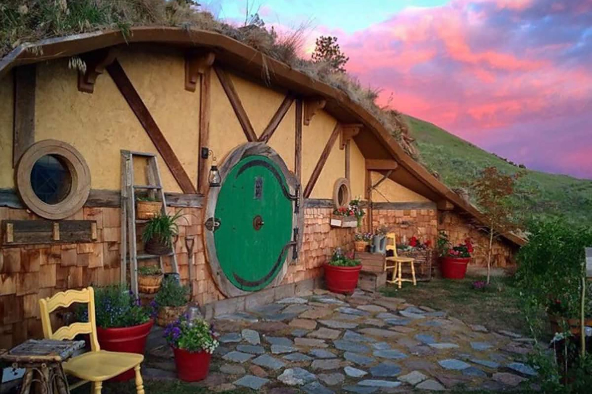 Picture of hillside AirBnb in Washington