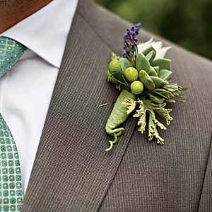 backyard_wedding_bouteneir