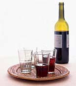 Bistro-Chic-Dinner-Party wine