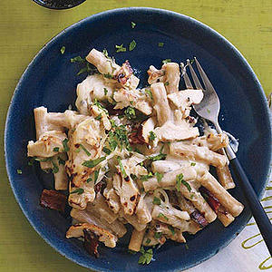 Grilled Chicken-and-Bacon Mac n Cheese