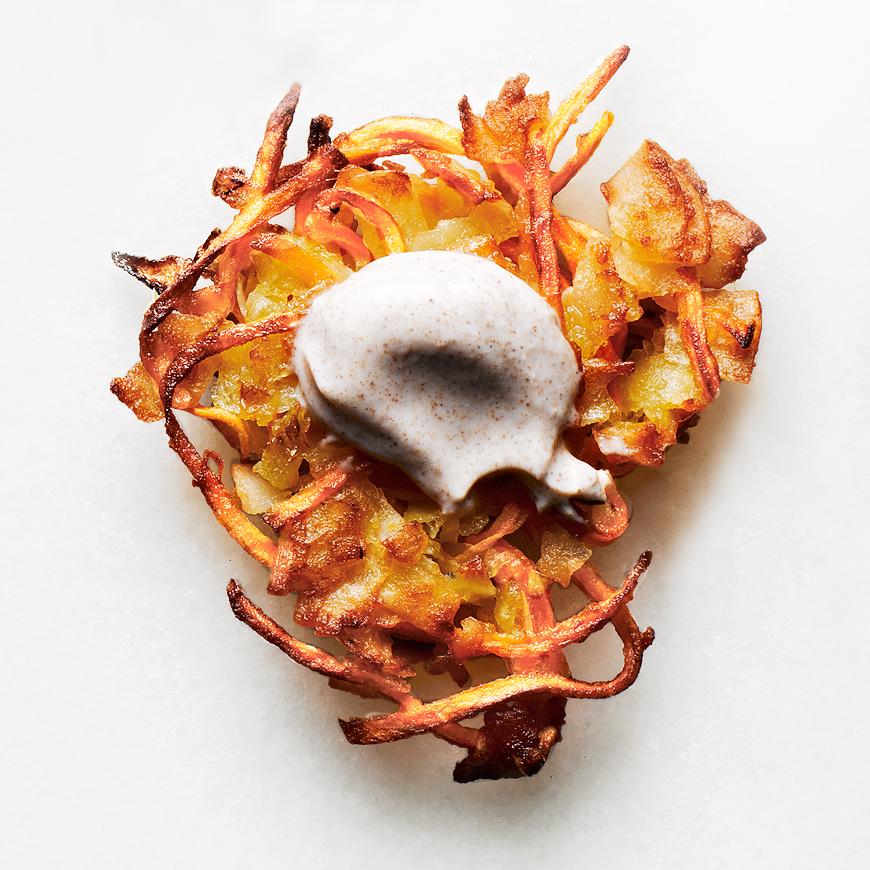 sweet-potato-latkes-with-cinnamon-sour-cream-102004068