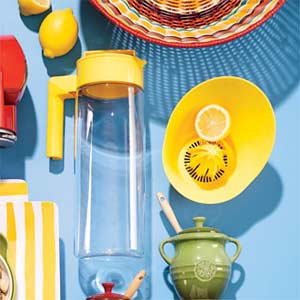 Lemon Pitcher and accessories