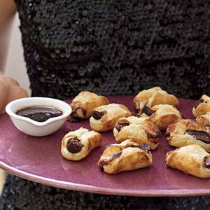 Blue Cheese Figs in a Blanket
