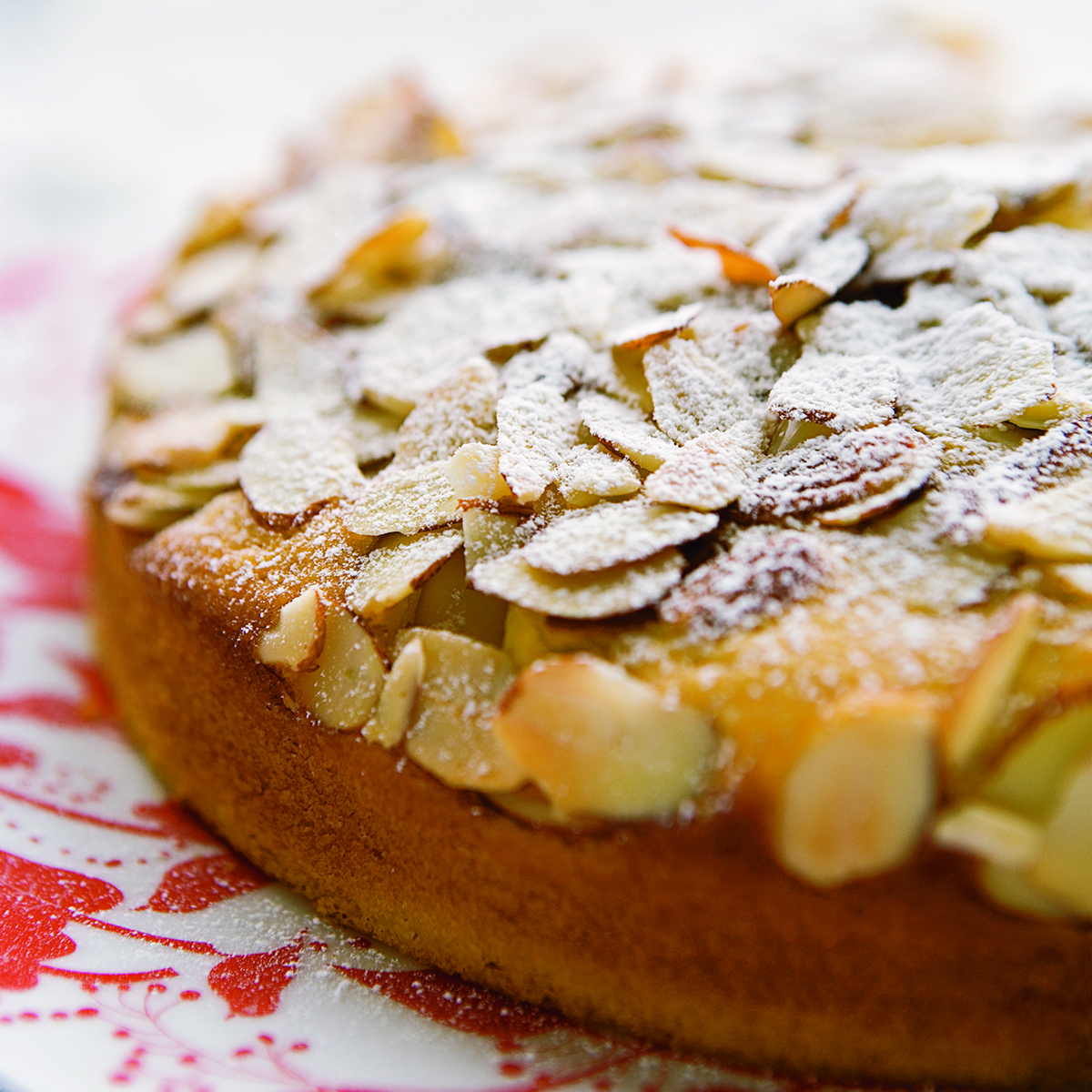 Crunchy Almond Cake