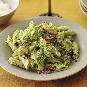 Pasta with Hazelnut-Spinach Pesto