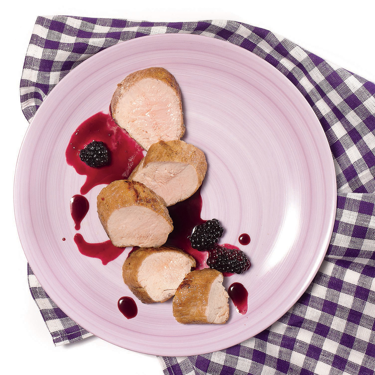 pork tenderloin with spicy red wine blackberry sauce