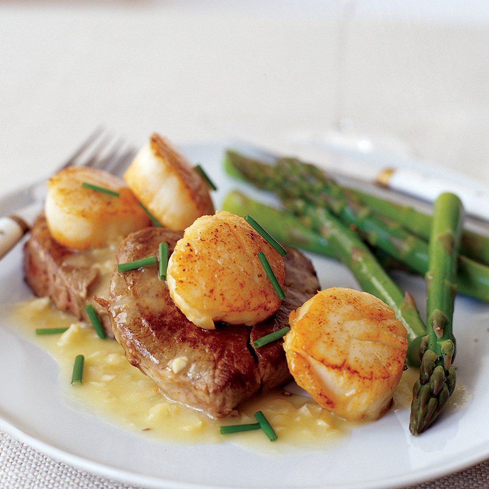 Seared Scallops and Tenderloin Steaks with Manhattan Sauce