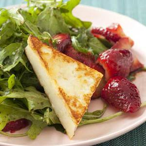 Crispy Cheese with Strawberry Salad
