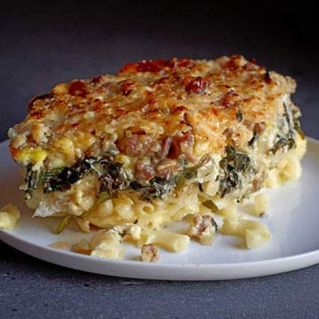 Cheesy Mac n Bangers Bake