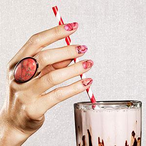 Marbleized Manicure