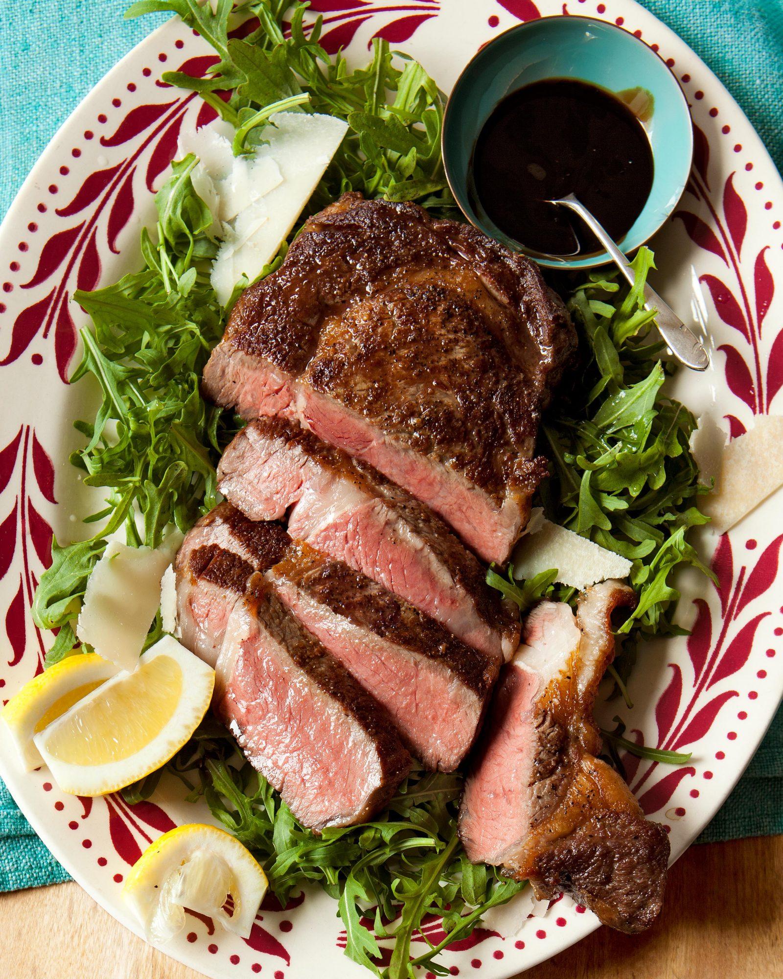 Steak with Arugula & Tangy Glaze