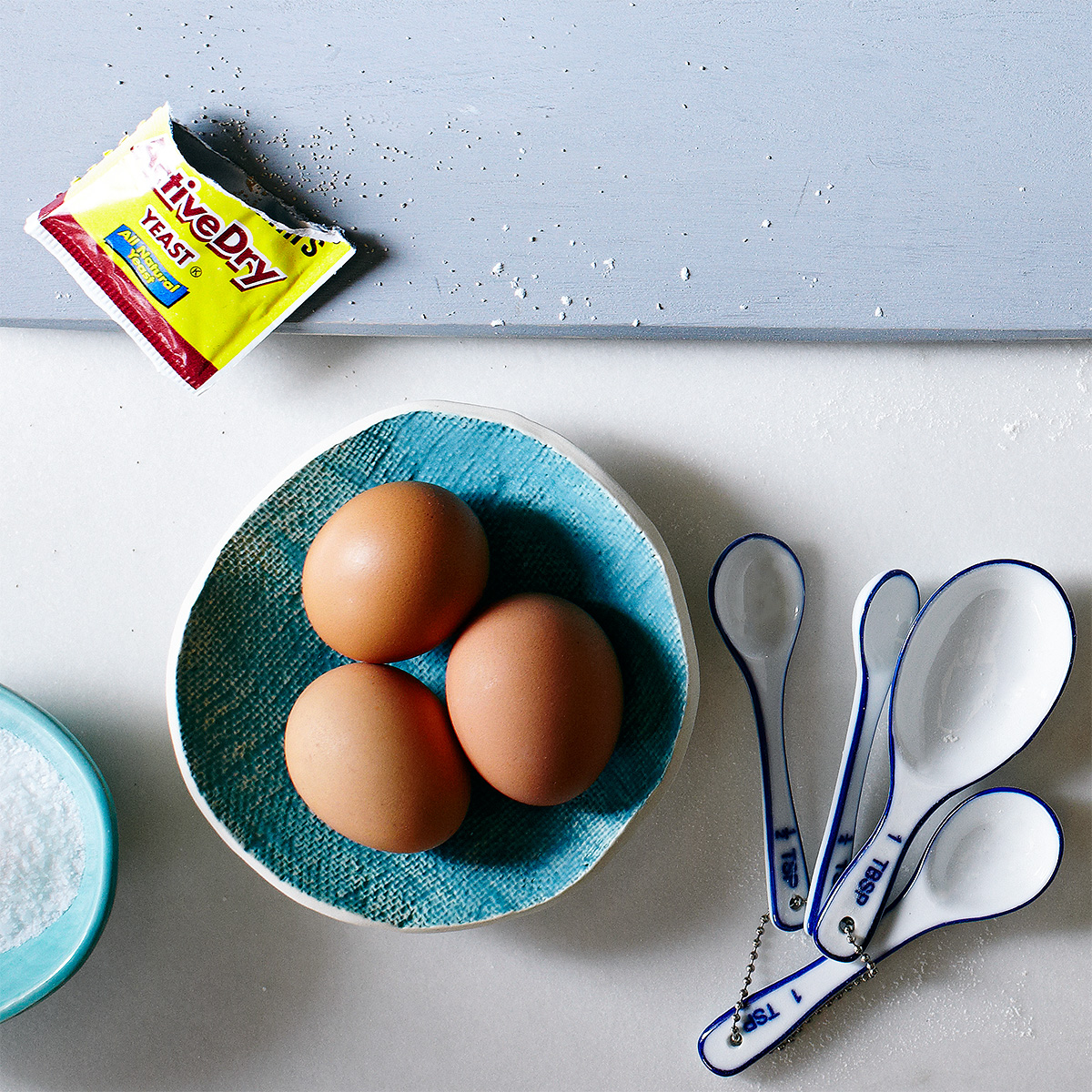 yeast eggs and measuring spoons