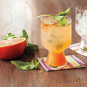 Grapefruit-Basil Gin Fiz