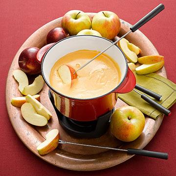 Apple-Cheddar Fondue