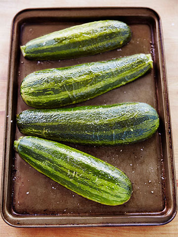 30-Minute How To: Zucchini Pizzas