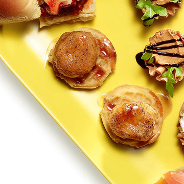 Chicken 'n' Mini Waffles