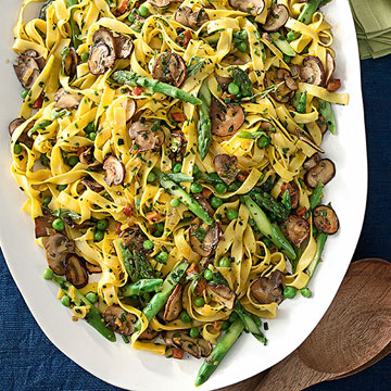 Milanese-Style Tagliatelle with Mushrooms, Asparagus and Peas