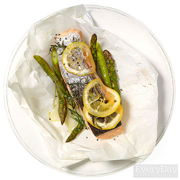 Lemony Salmon & Asparagus Pouches