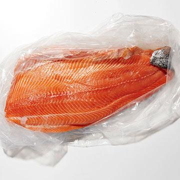 Washington -- Whole Northwest King Salmon