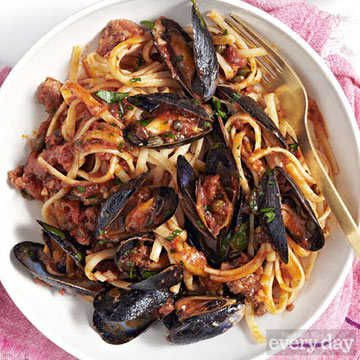 Linguine and Mussels alla Diavola