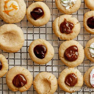 Vanilla Thumbprint Cookies with Gingerbread Caramel Filling
