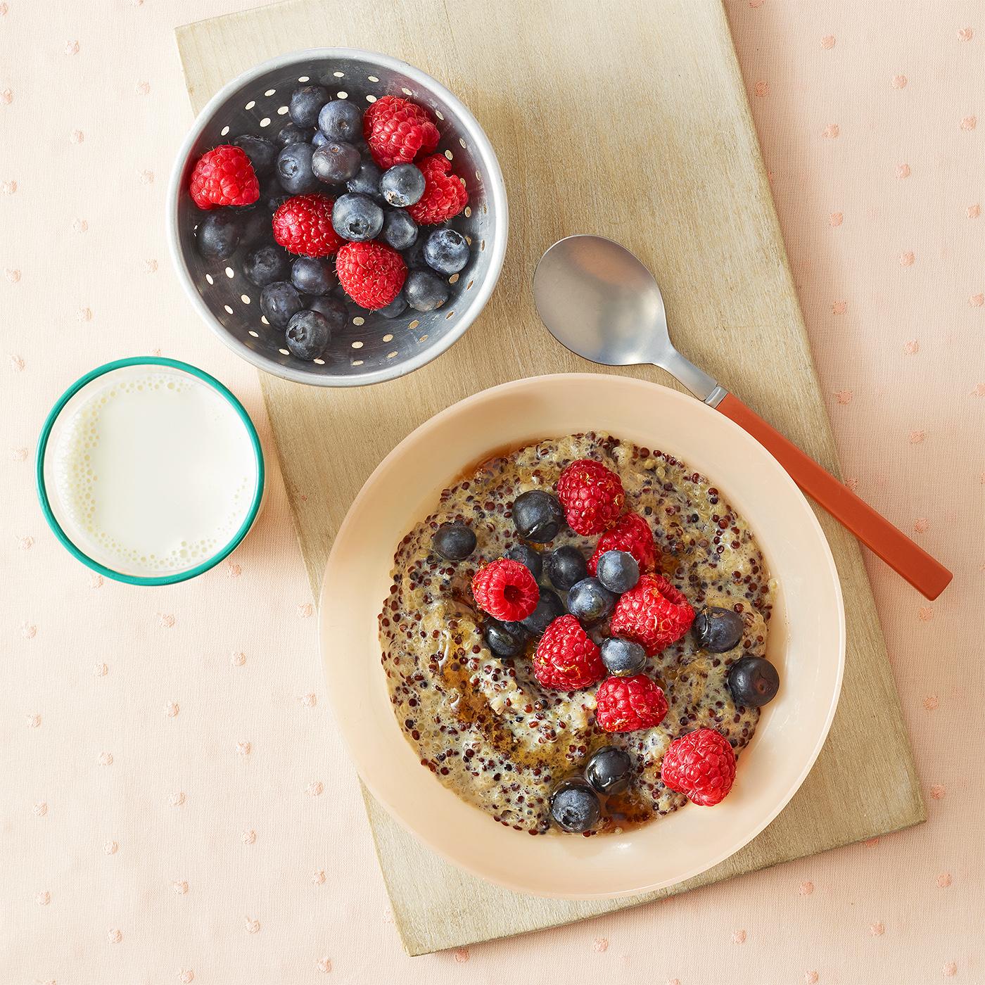 Quinoa & Berry Bowl