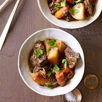 Slow-Cooker Beef & Potato Stew
