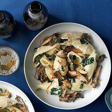 Shells with Spinach, Ricotta & Crispy Mushrooms