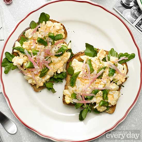 Spicy Egg Salad Sandwich