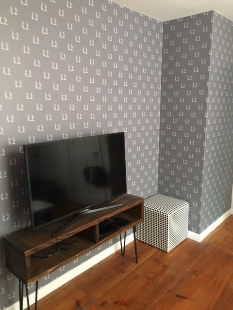 TVRoomWall