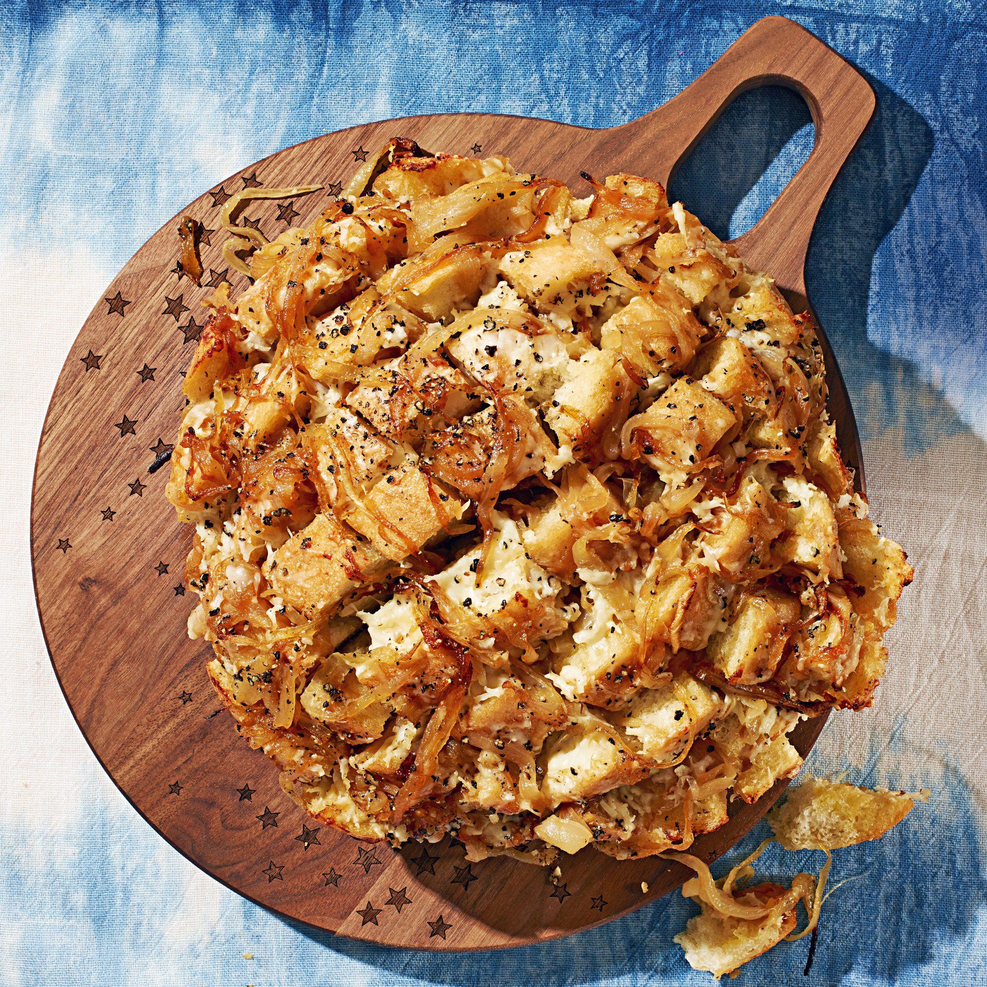 caramelized onion gruyère pull apart bread