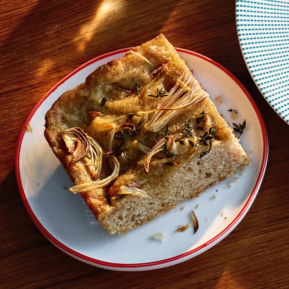easy cheesy no knead focaccia bread
