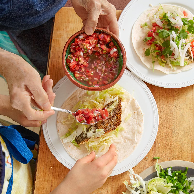 Jacques Pépin and Shorey making tacos