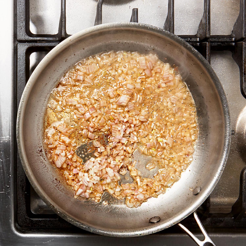 add garlic to pan sauce