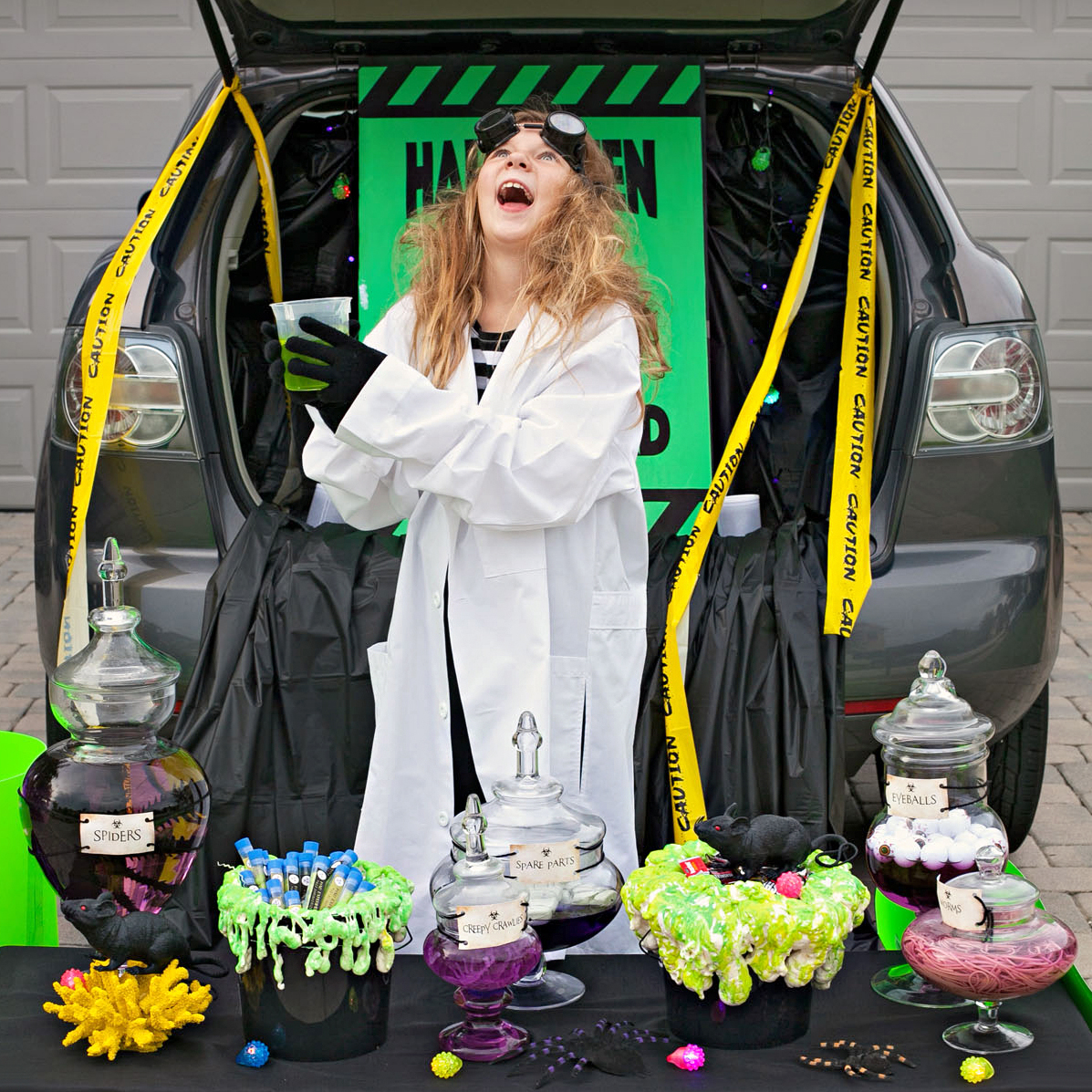 apothecary-themed trunk-or-treat
