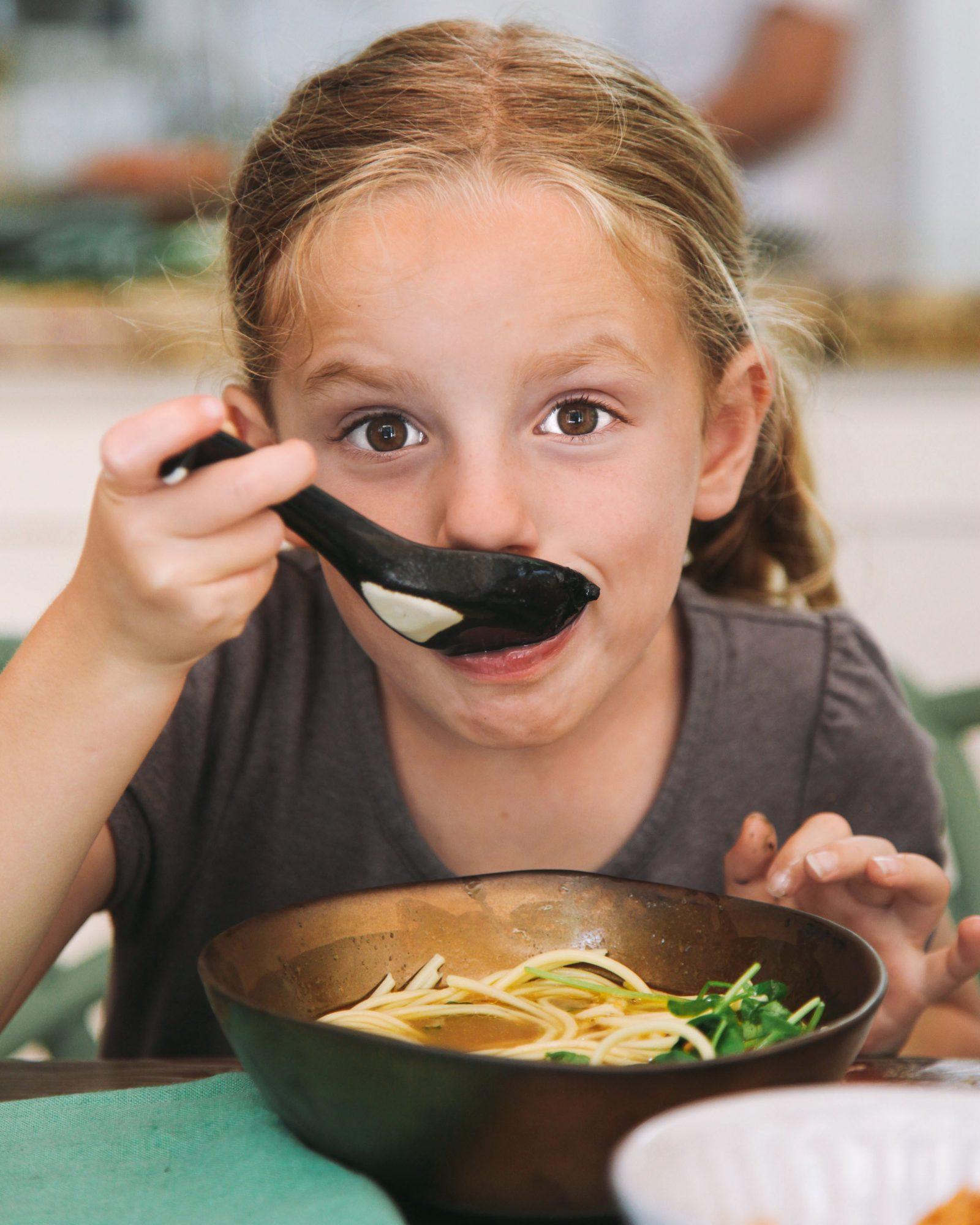 blais daughter eating ramen