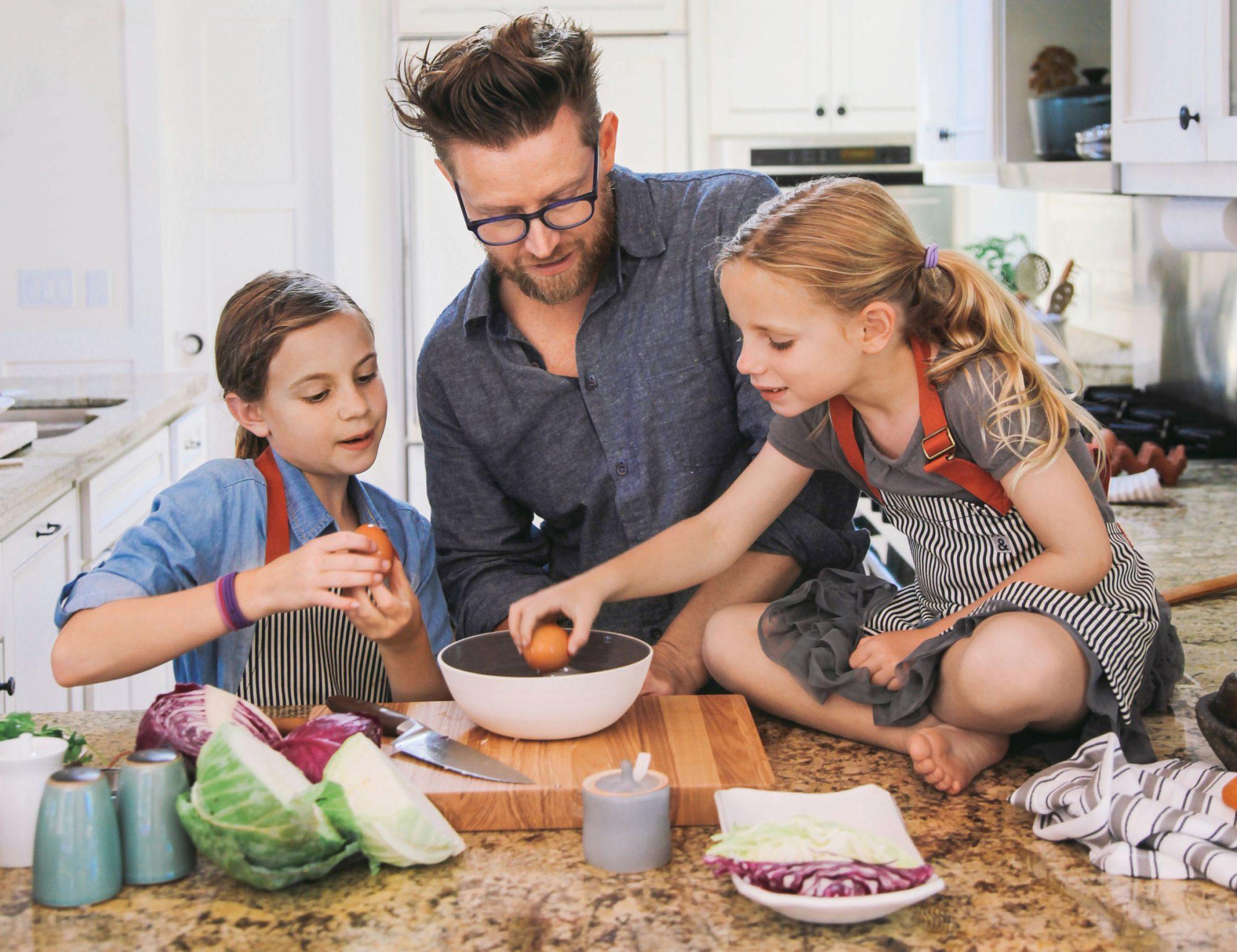 blais and daughters cook ramen