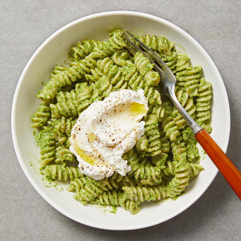 fusilli with spinach and pepita pesto