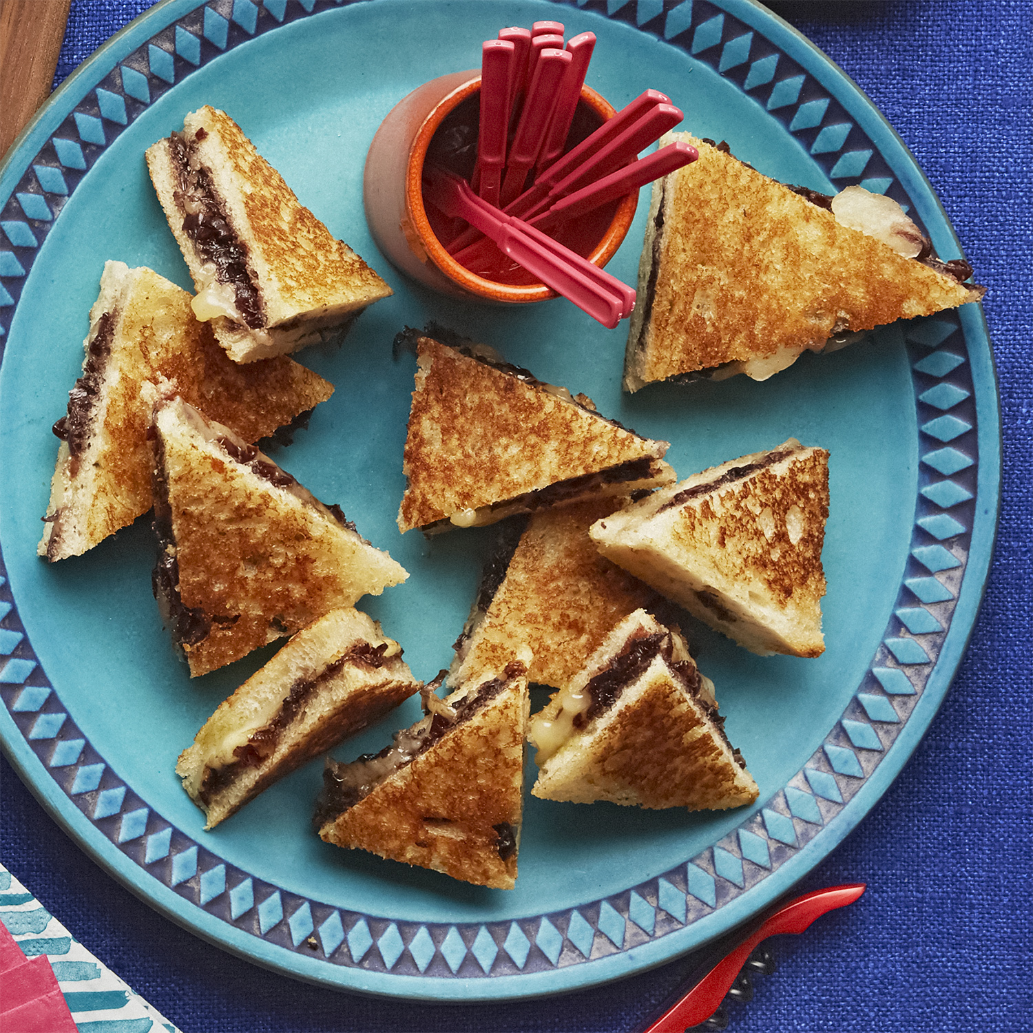 Grilled Cheese Triangles with Shallot Jam