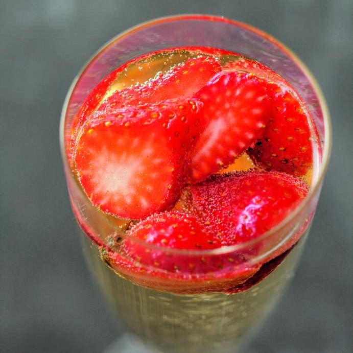 strawberry prosecco sparkler
