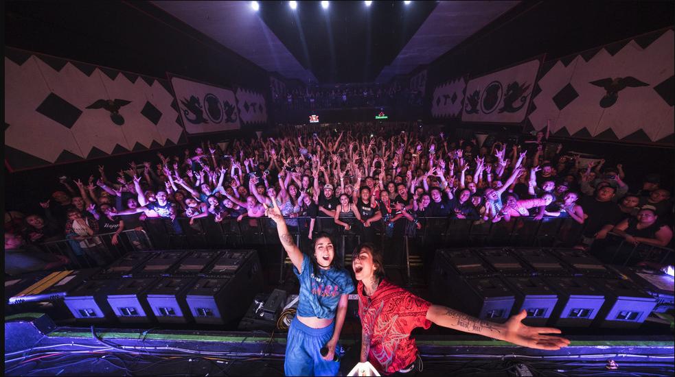 krewella-concert-crowd
