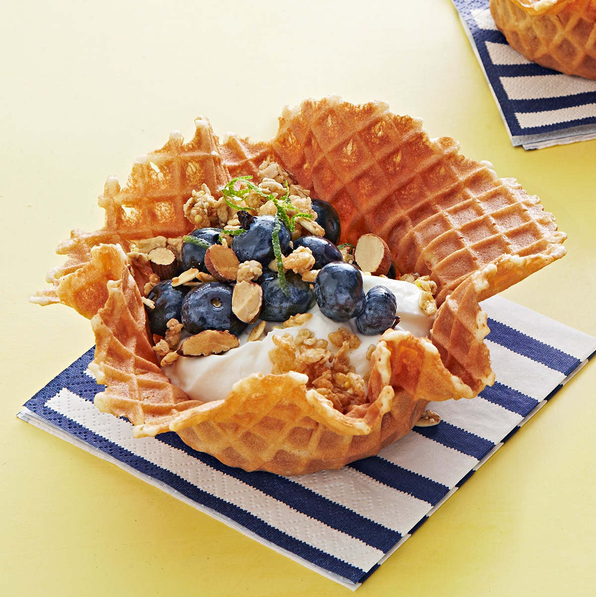 blueberry yogurt parfaits