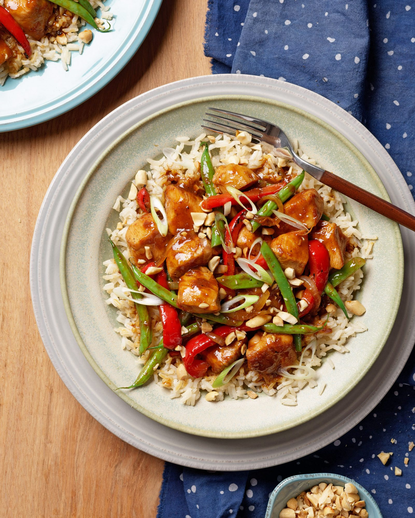 garlic-ginger chicken with green beans peppers & peanuts