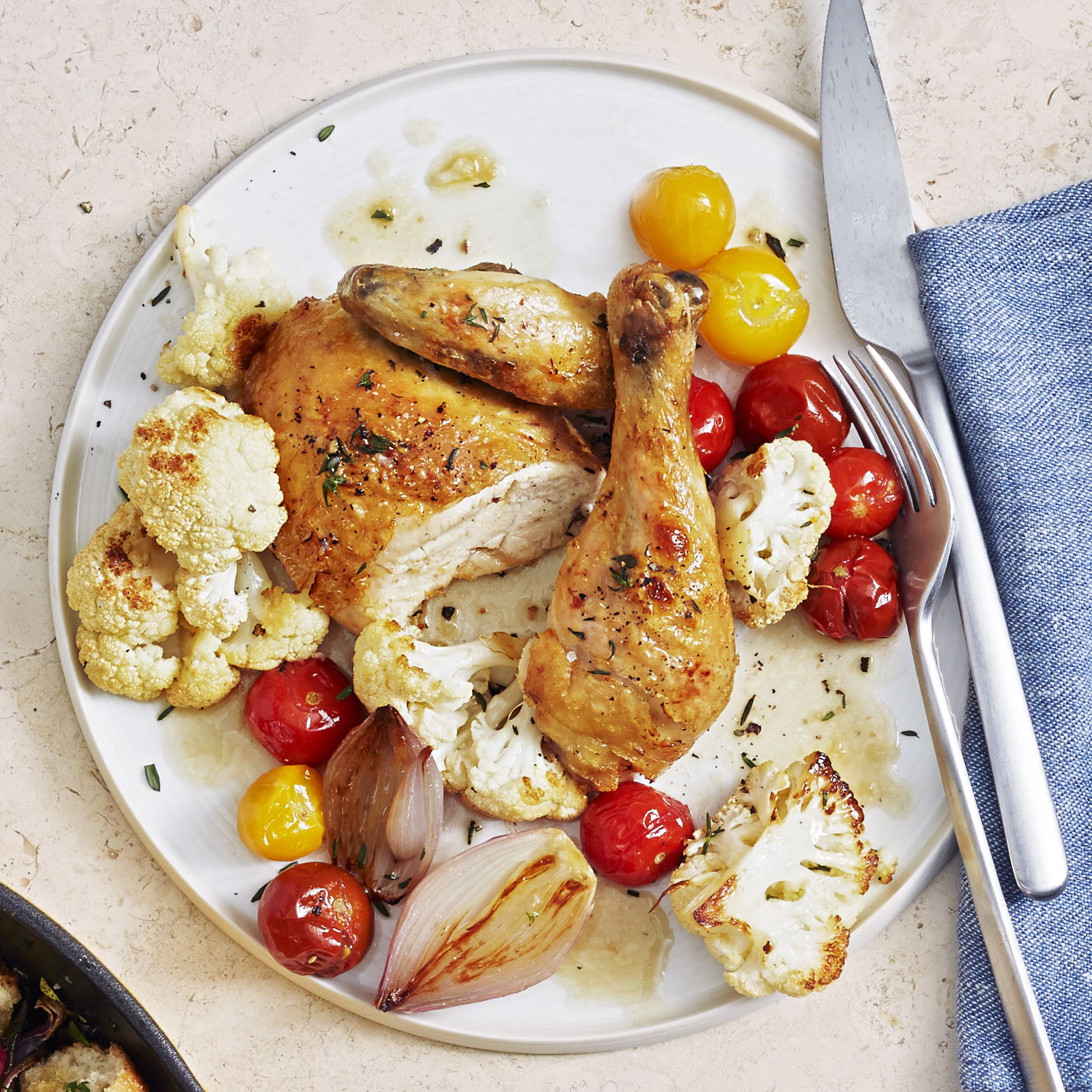 herbed chicken with cauliflower and tomatoes