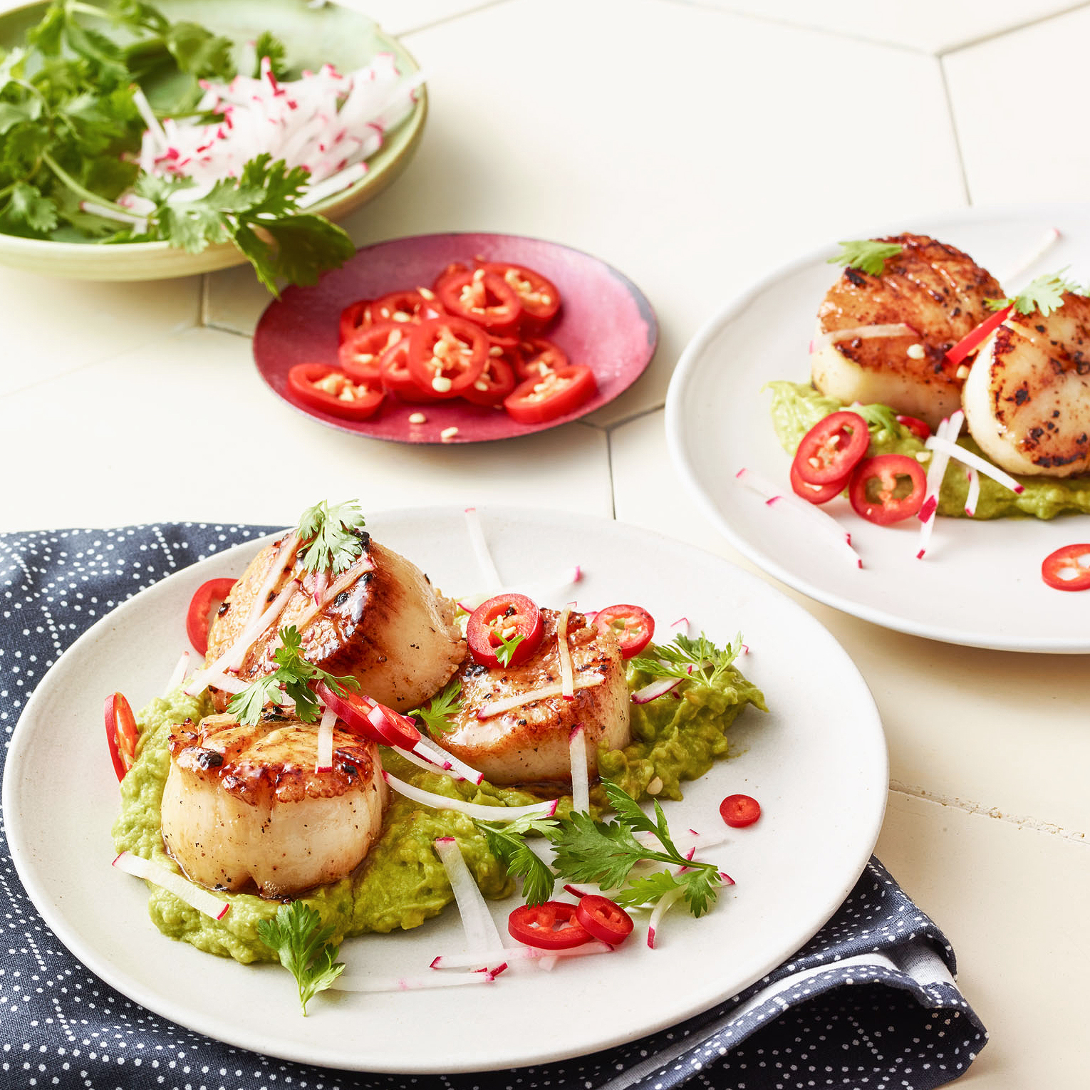 Seared Scallops with Avocado & Lime