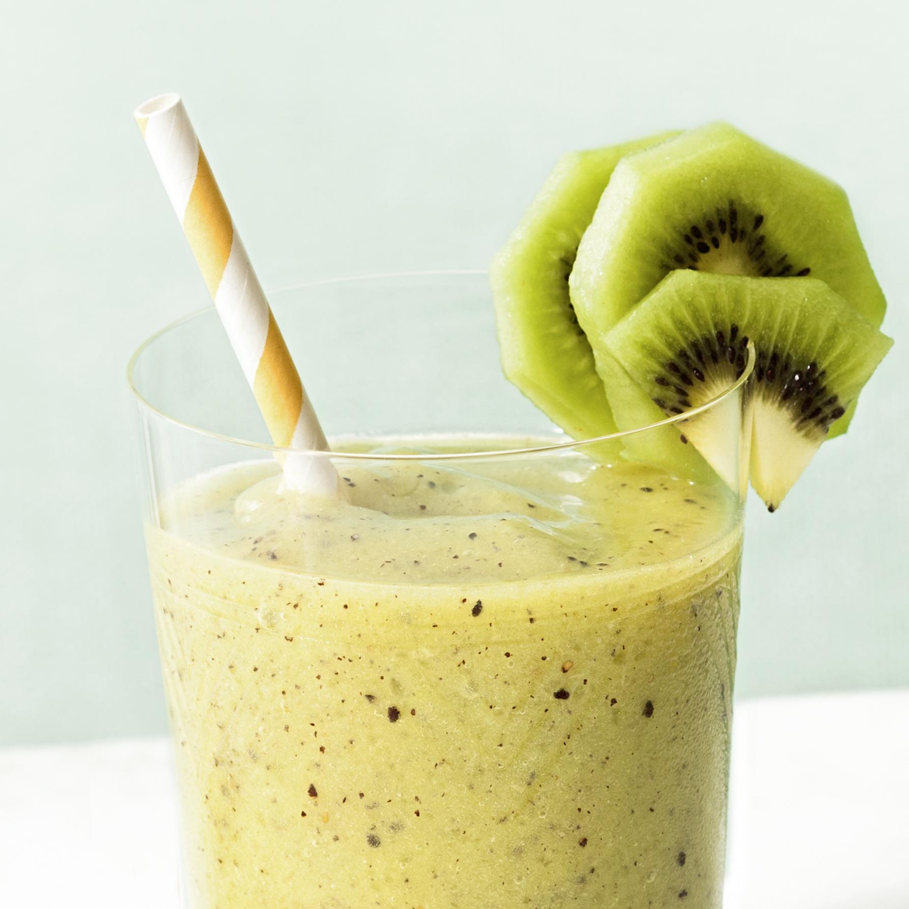 kiwi-pineapple smoothies