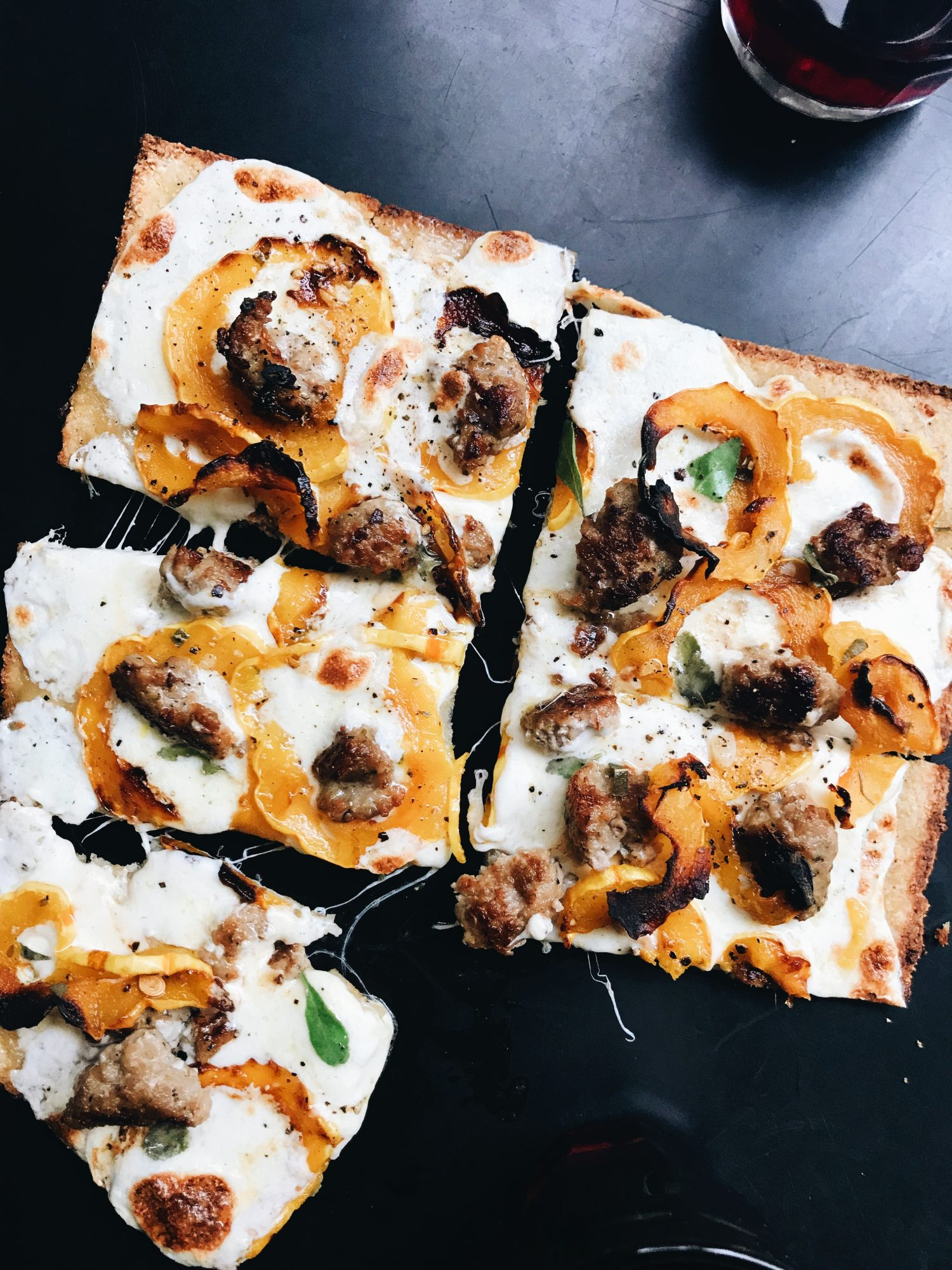 delicata-squash-sausage-cauliflower-pizza-green-giant