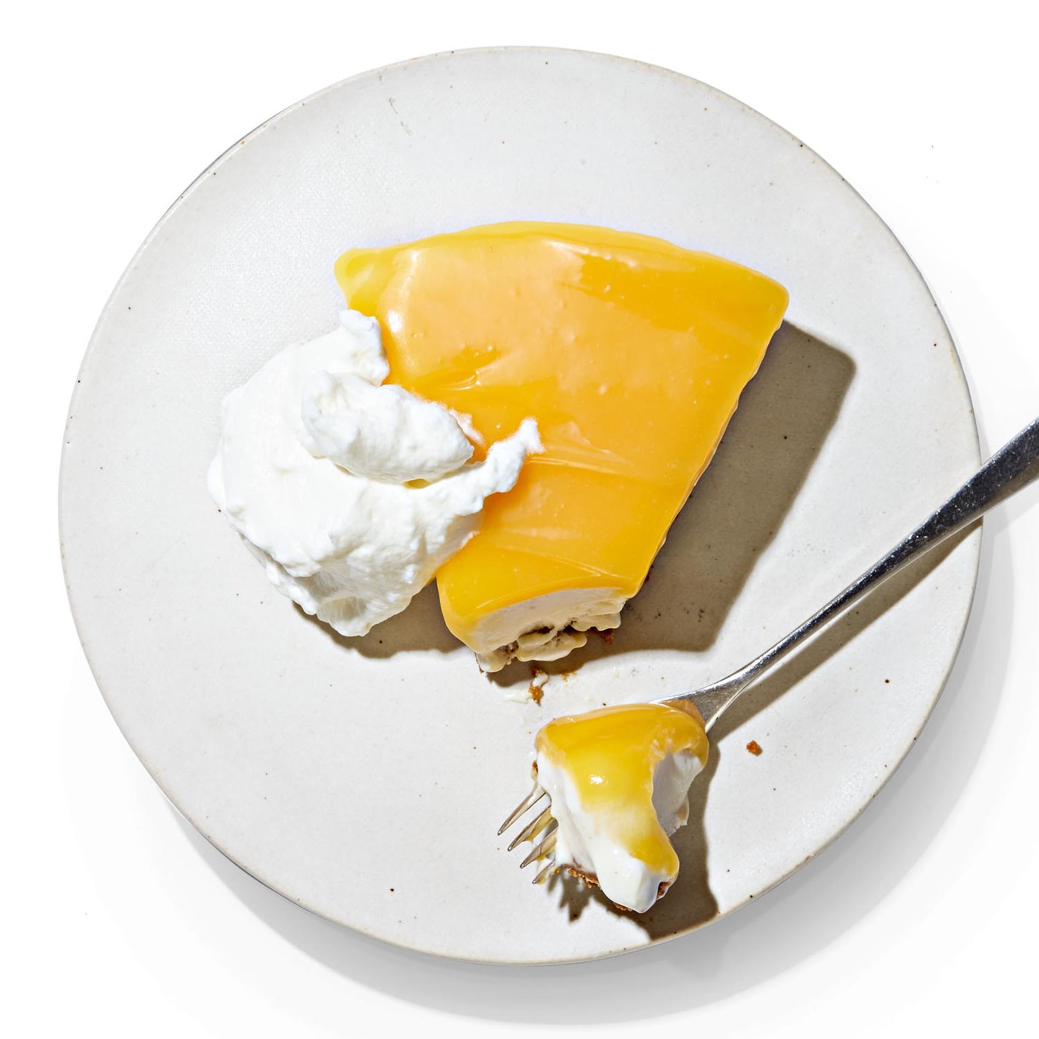 No-Bake Gingersnap Cheesecake with Lemon Curd