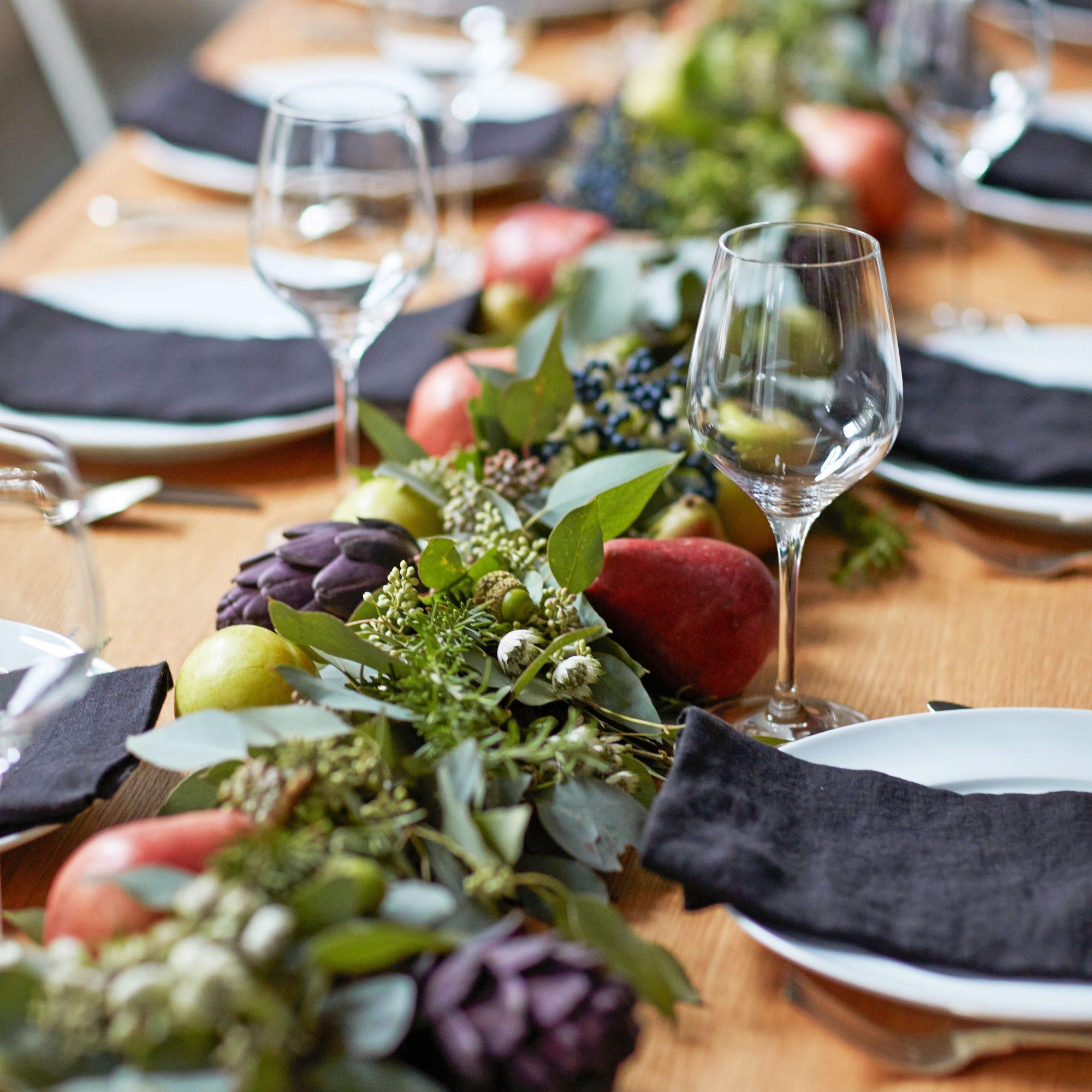 cayne table setting