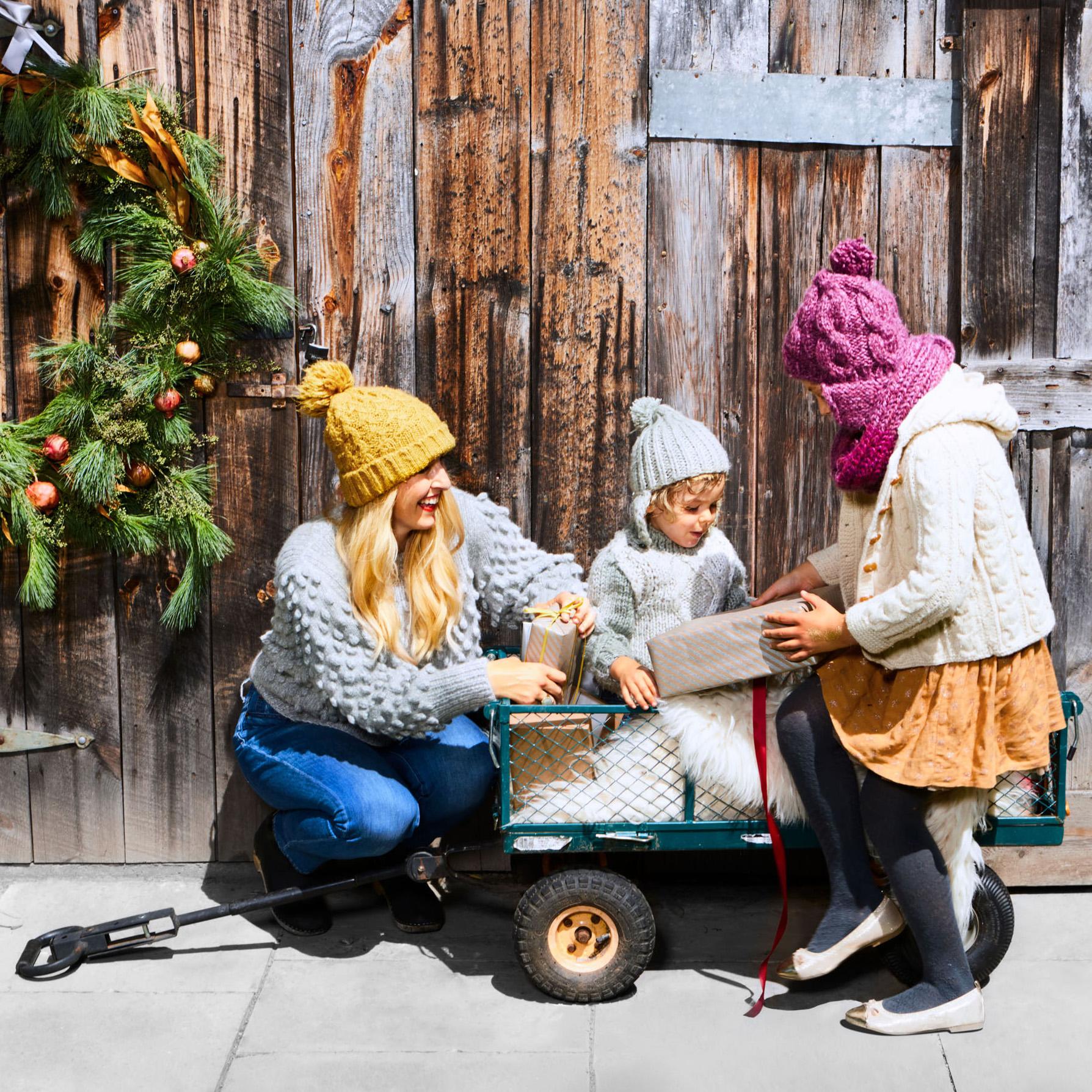 mom kids wagon with neighbor gifts